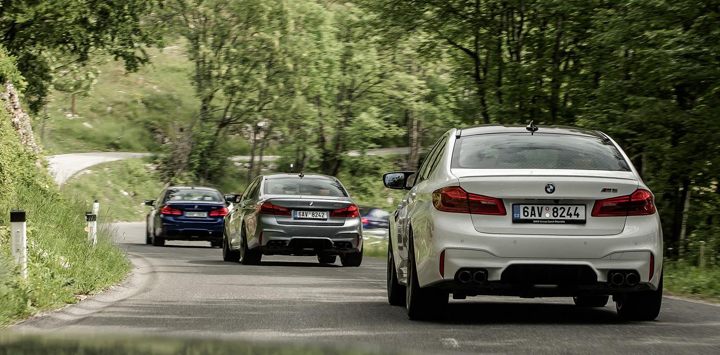 BMW M5 na górskiej drodze