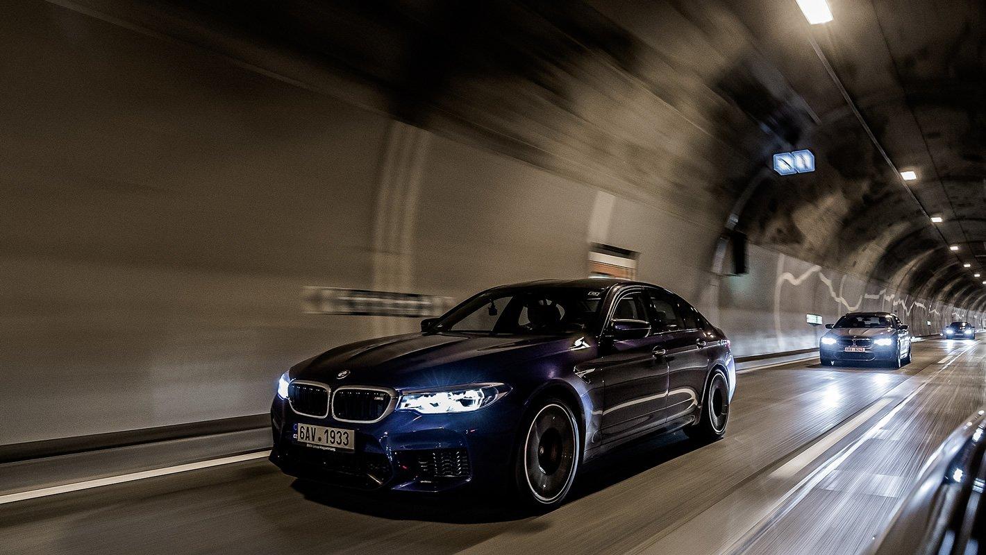 BMW M5 - ryczący silnik dobrze jest sprawdzić w tunelu