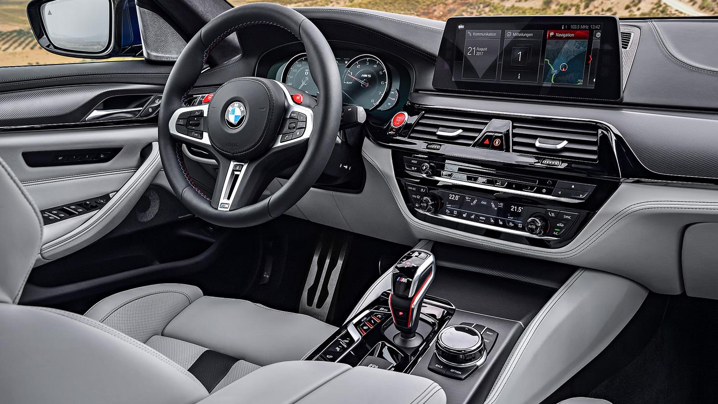 BMW M5 w środku