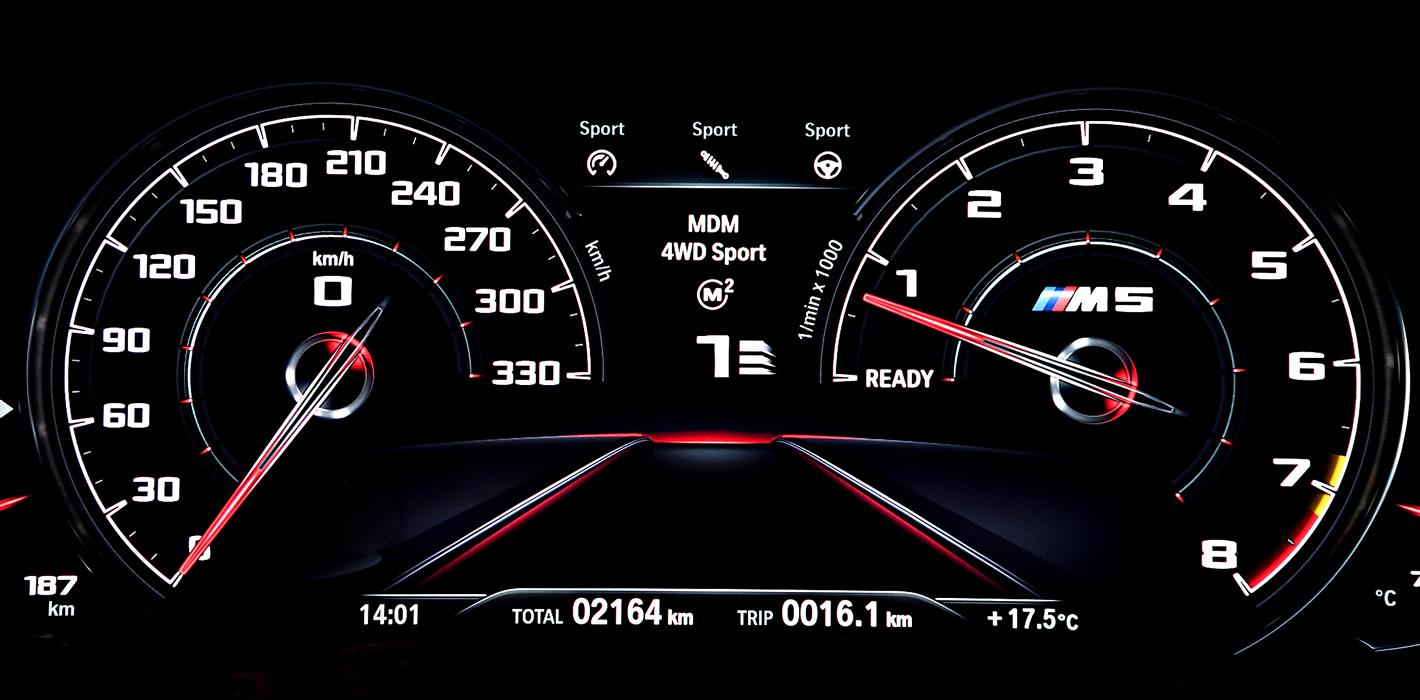 BMW M5 - wyświetlacz kierowcy