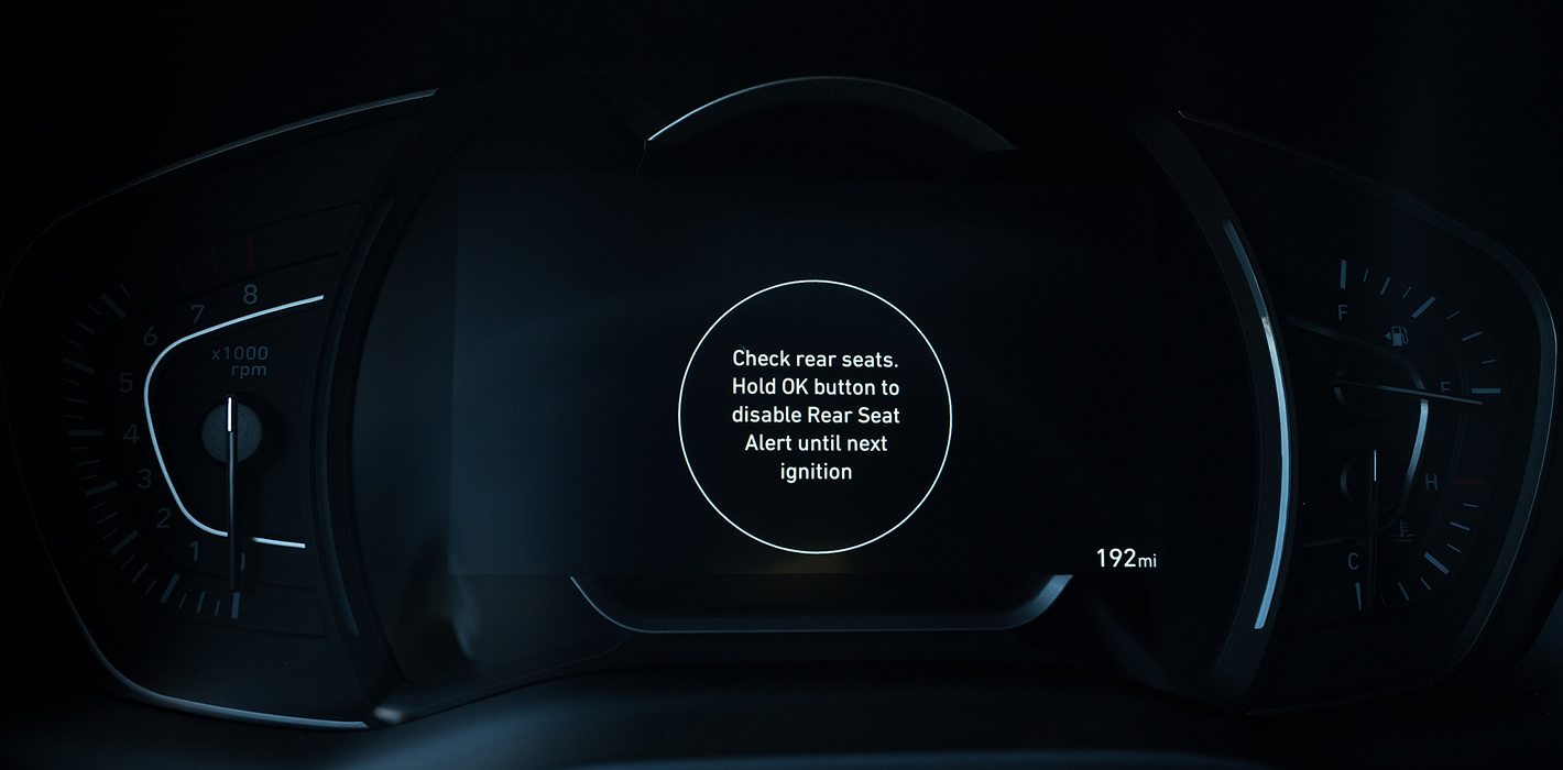Hyundai Santa Fe 2019  informacja o osobie znajdującej się na tylnych siedzeniach