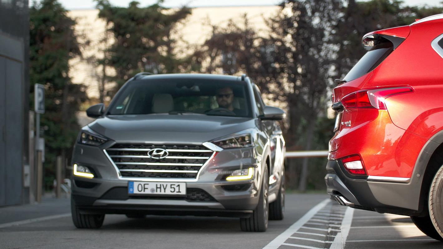 Hyundai Santa Fe 2019 Rear Cross Traffic Collision Avoidance Assist