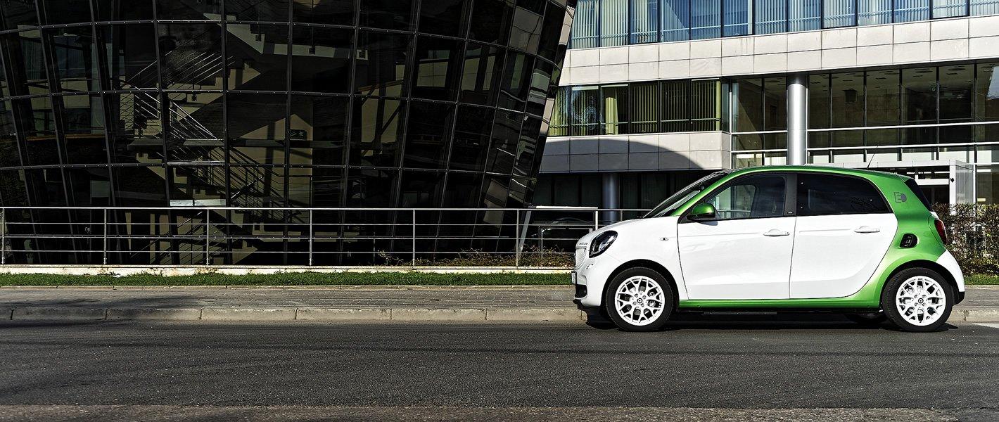 smart forfour EQ w kolorze białym i zielonym
