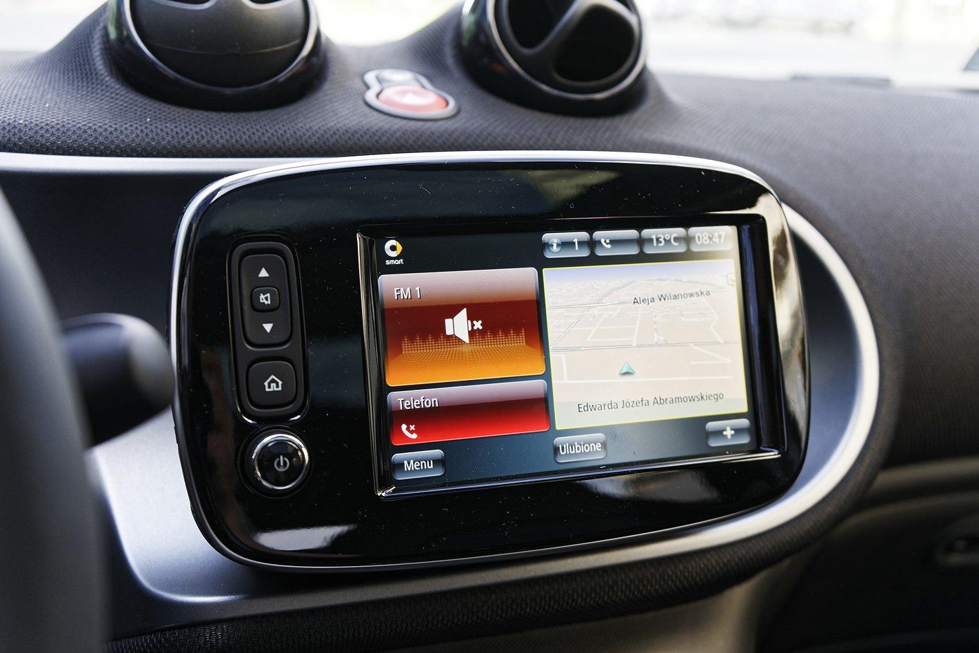 smart forfour EQ - pokładowy system multimedialny