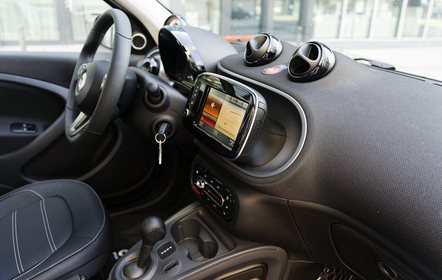 smart forfour EQ - kierownica bez możliwości regulacji