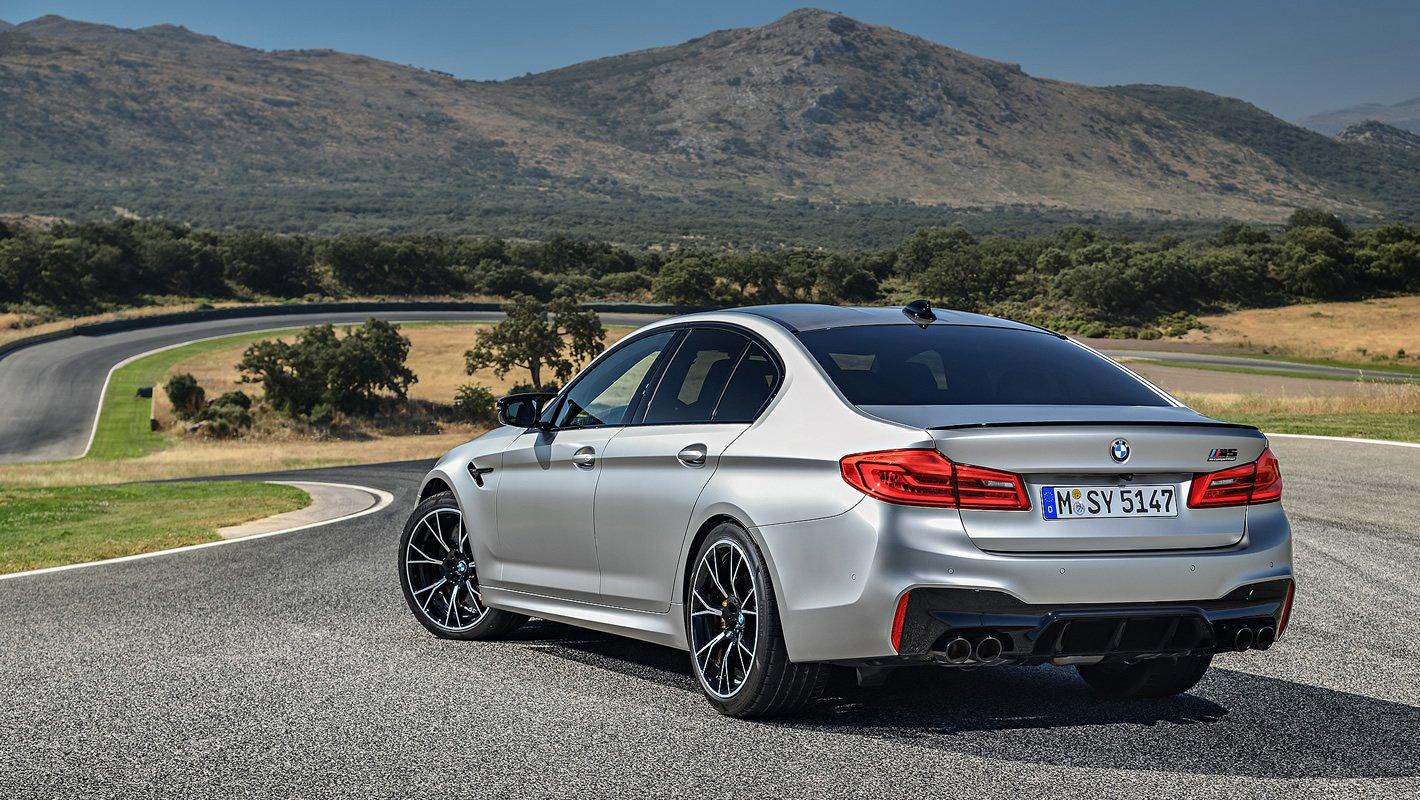 BMW M5 Competition z tyłu
