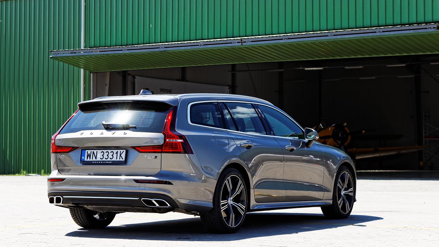 Volvo V60 - systemy wsparcia kierowcy