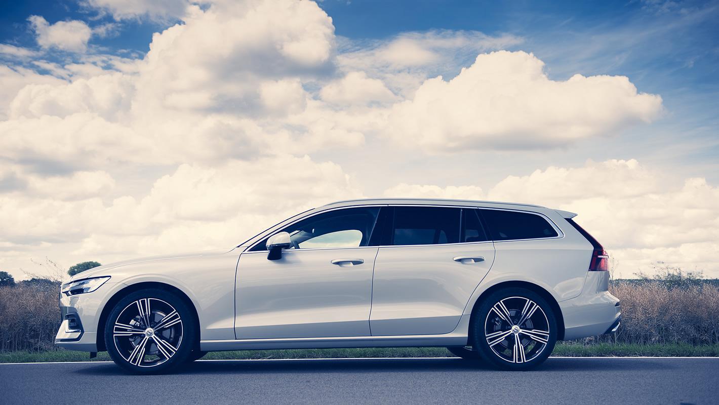 Volvo V60 z boku