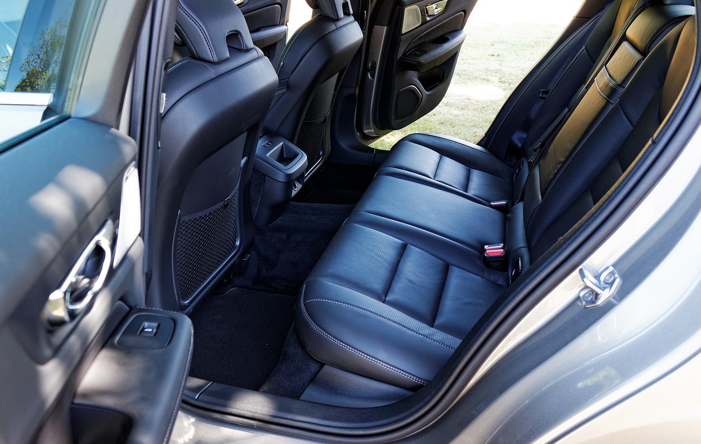 Volvo V60 - tylna kanapa
