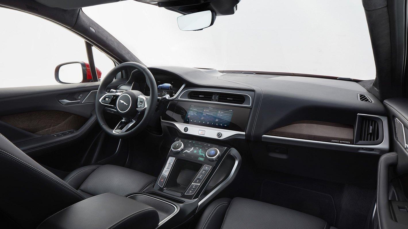 Jaguar I-Pace - w środku