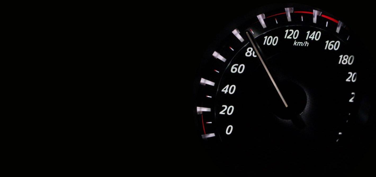 nowe auta z ogranicznikami prędkości