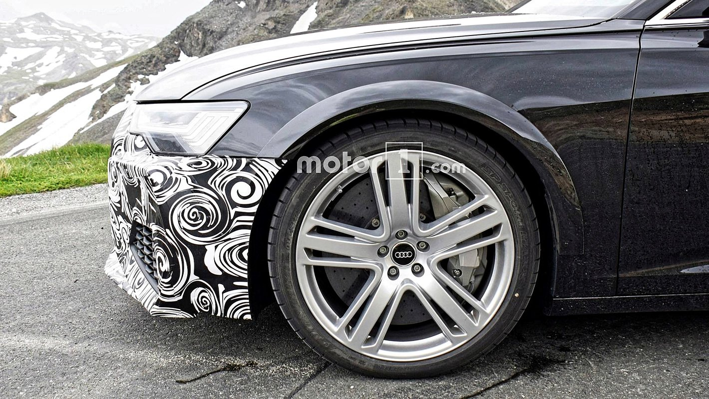 Audi RS 6 Avant 2019 - hamulce