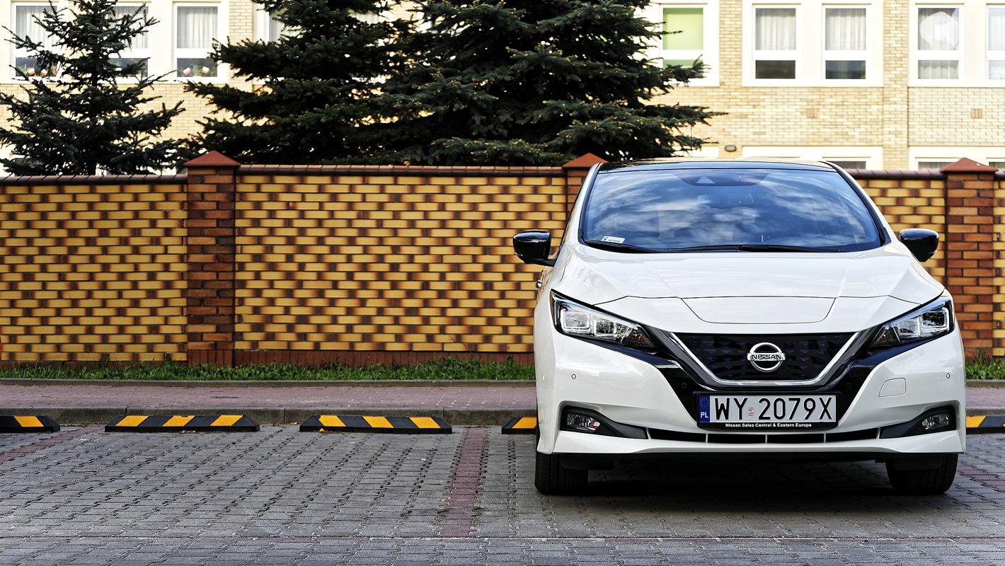 Nissan Leaf II z przodu