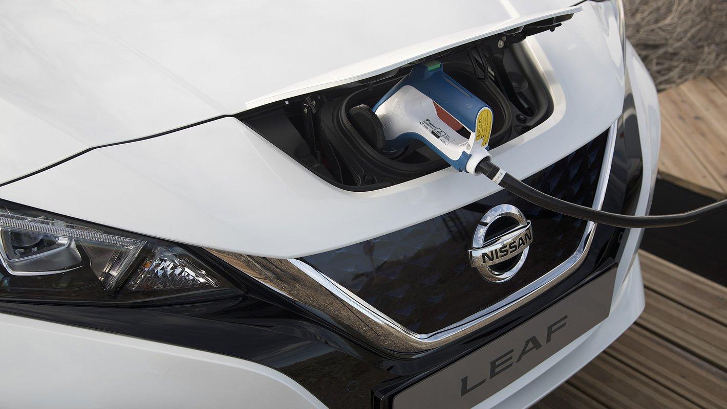 Nissan Leaf II - złącza ładowania