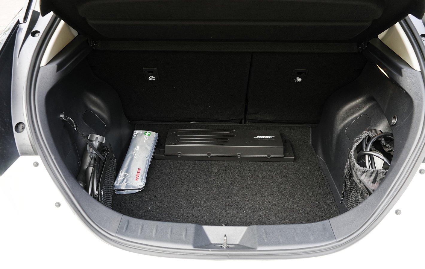 Nissan Leaf II - bagażnik