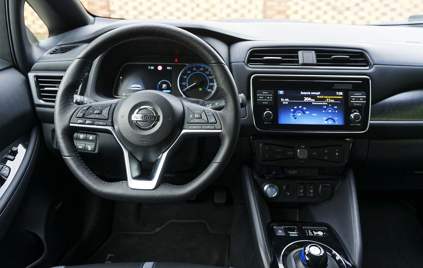 Nissan Leaf II - kokpit centralny