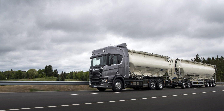 wyprzedzanie ciężarówek