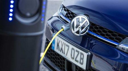Volkswagen wzywa do serwisów hybrydy i elektryki