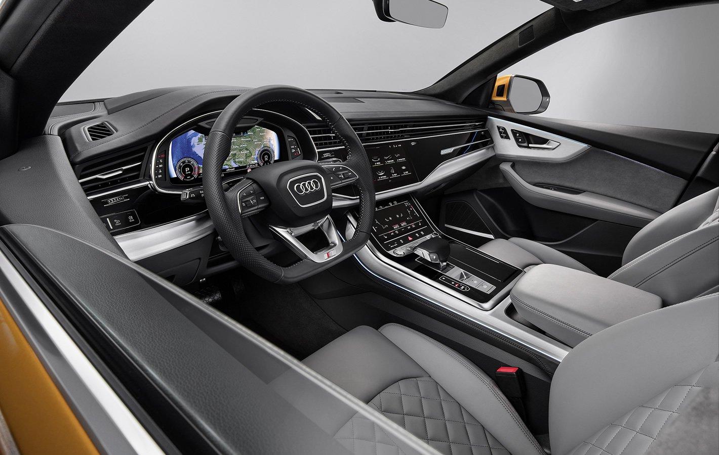 Audi Q8 - wnętrze