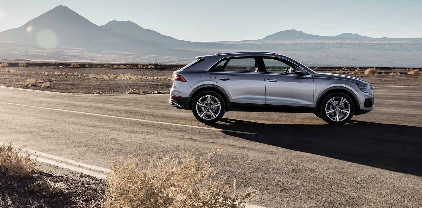 Audi Q8 z boku
