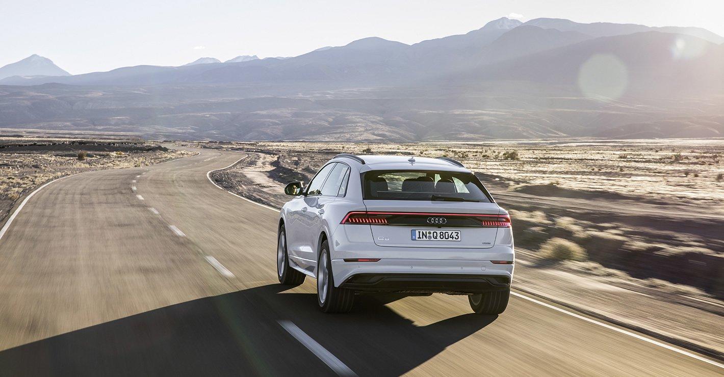 Audi Q8 - z tyłu
