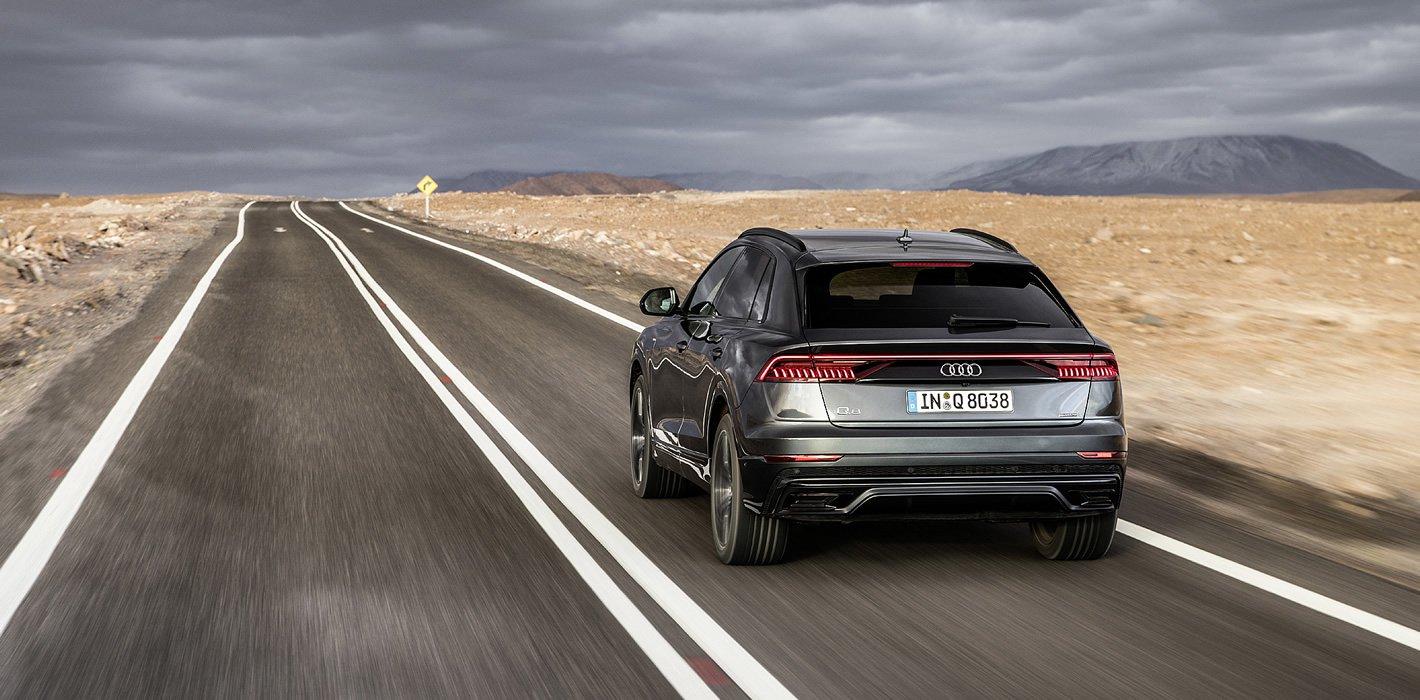 Audi Q8 - mocno zarysowane nadkola z tyłu