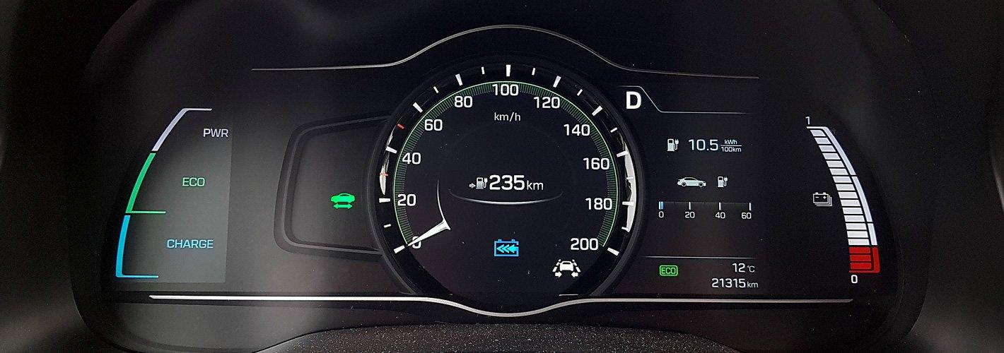 Hyundai IONIQ Electric - ekran kierowcy