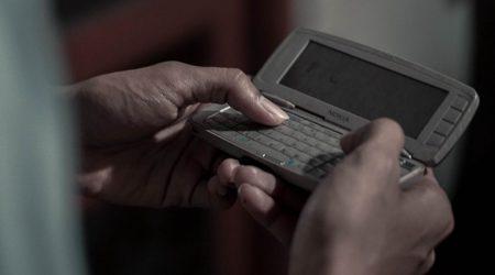 stare telefony wracają do łask