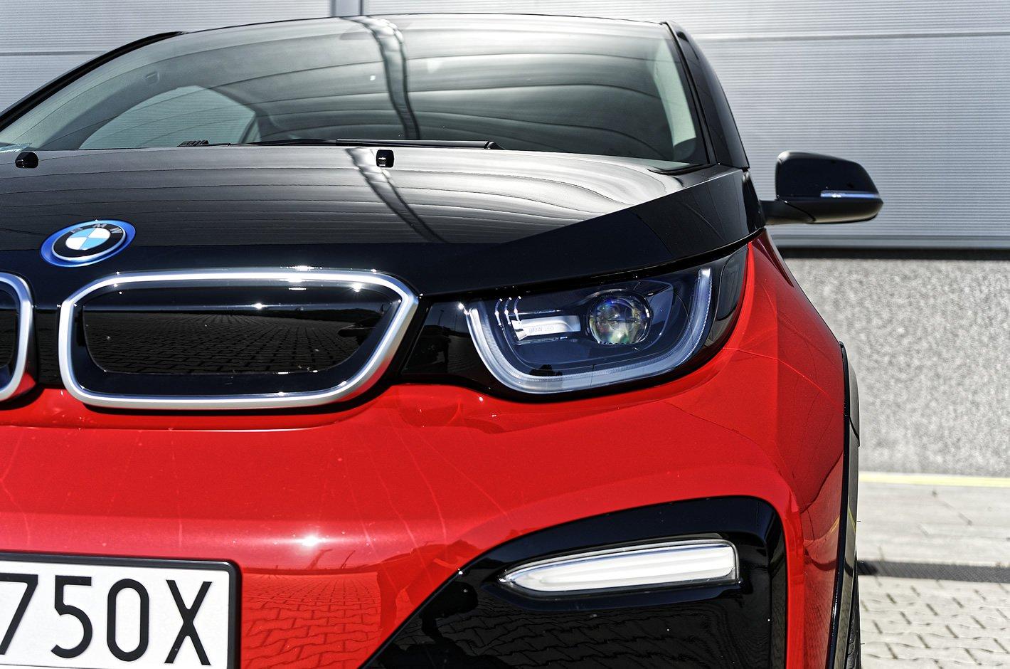 BMW i3s 94 Ah - światła LED