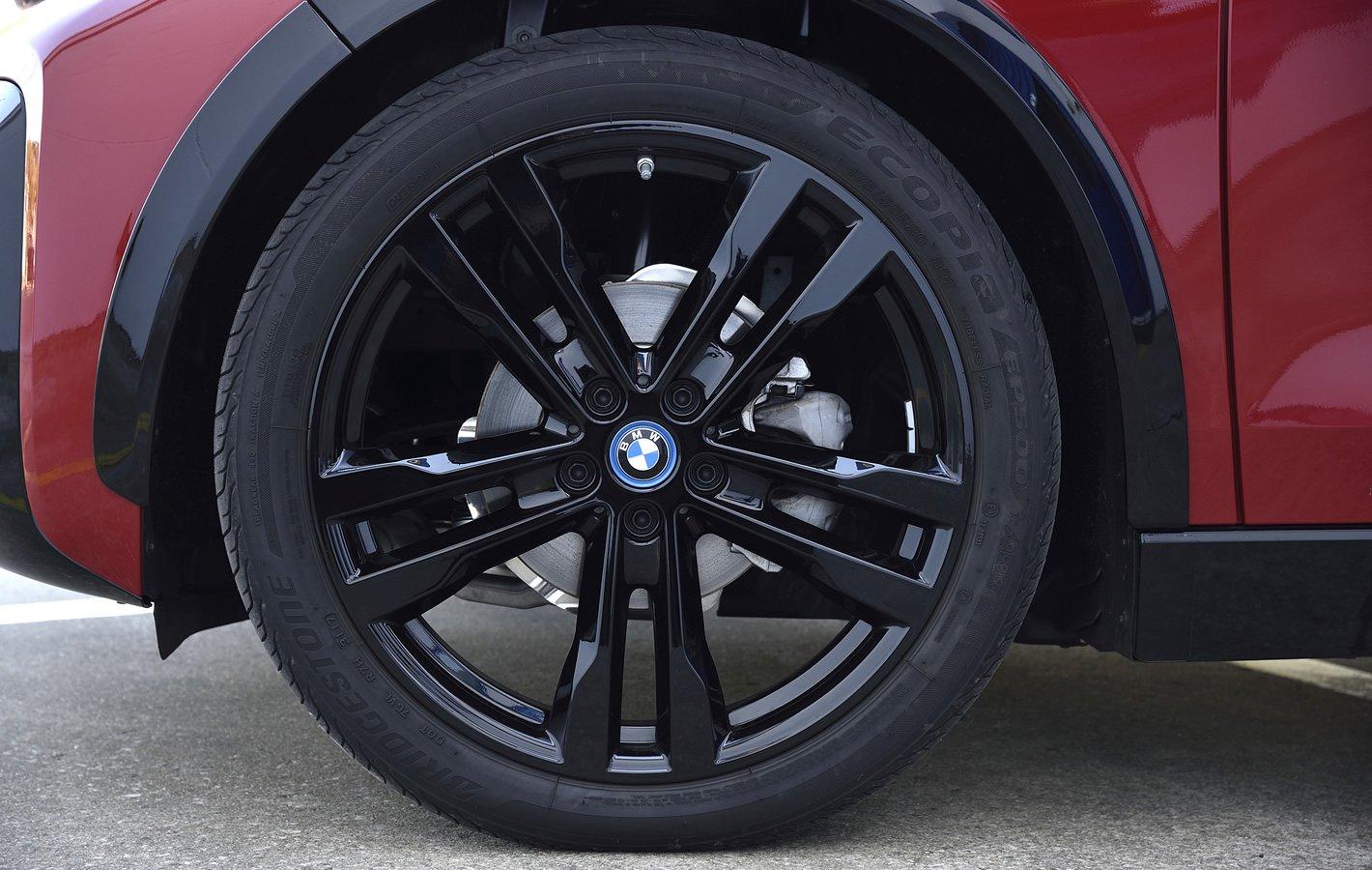 BMW i3s 94 Ah - hamulce