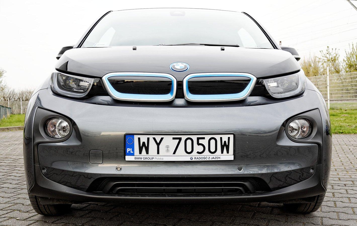 BMW i3 - przednie reflektory LED