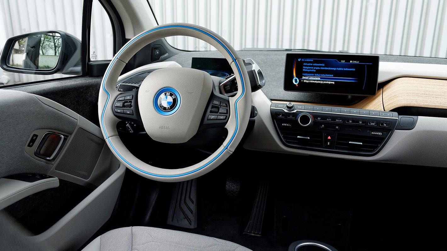 BMW i3 - wielofunkcyjna kierownica