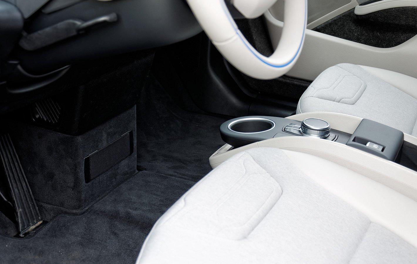BMW i3 - brak tunelu centralnego