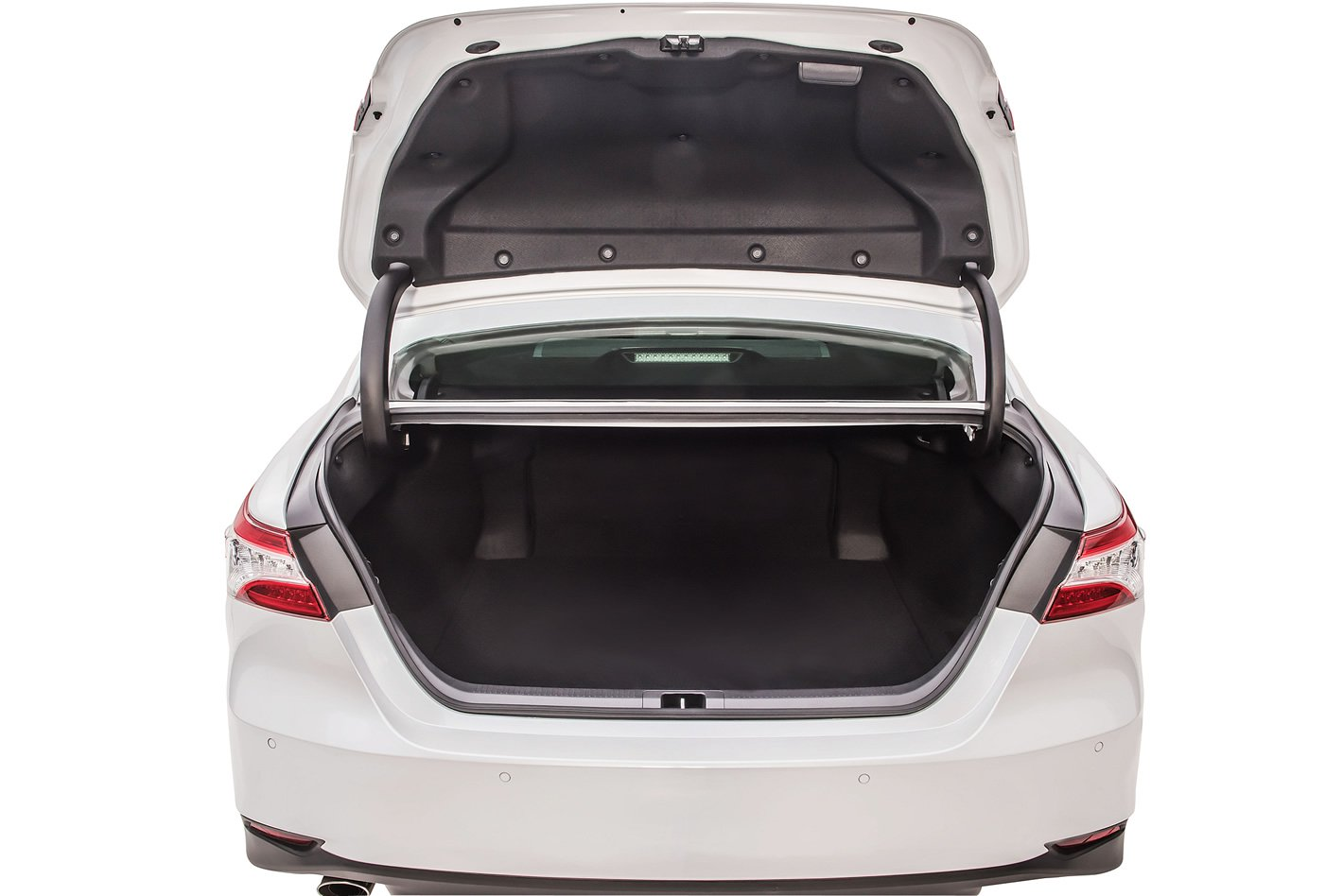 Toyota Camry Hybrid - bagażnik