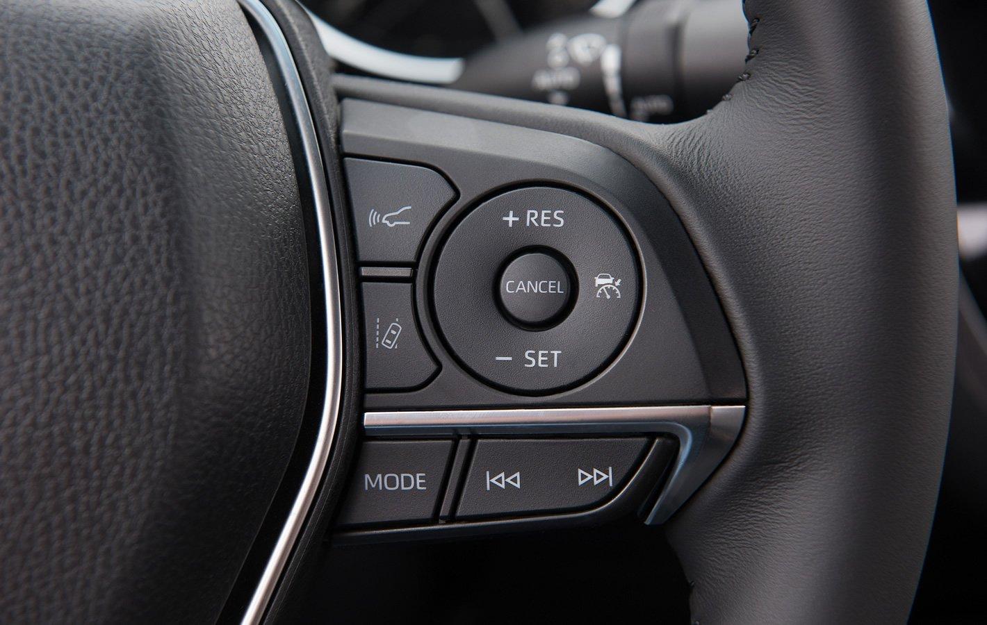 Toyota Camry Hybrid - kierownica wielofunkcyjna