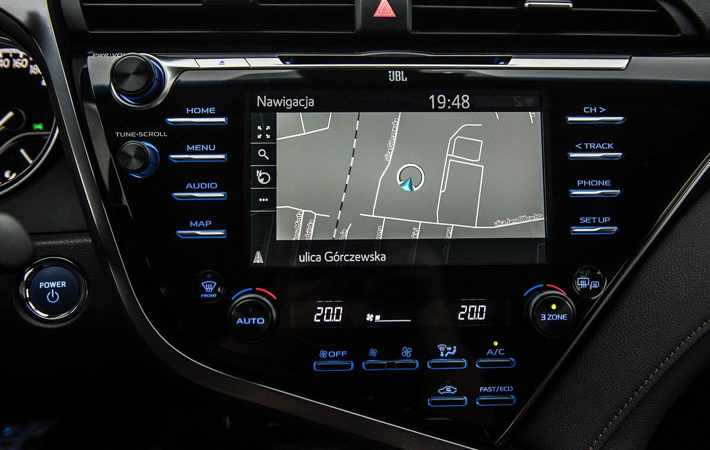 Toyota Camry Hybrid - system multimedialny