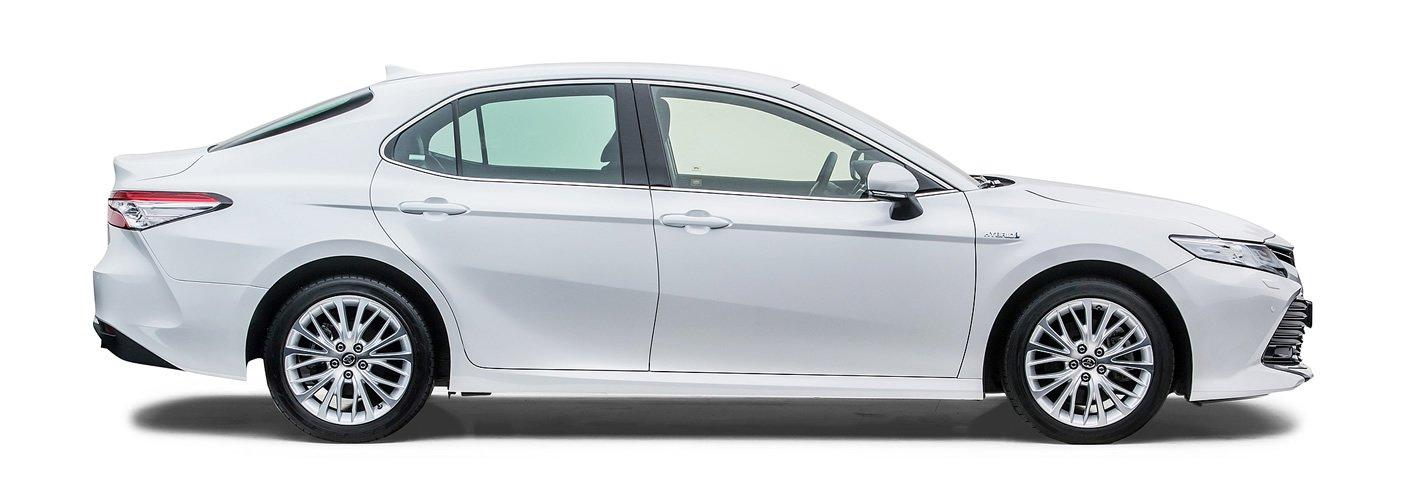 Toyota Camry Hybrid z boku