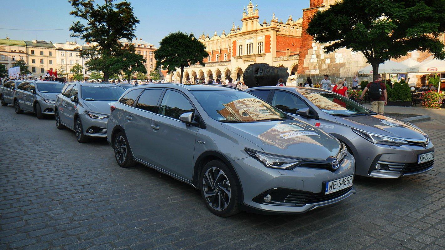 Toyota Eco Rally - start na rynku w Krakowie