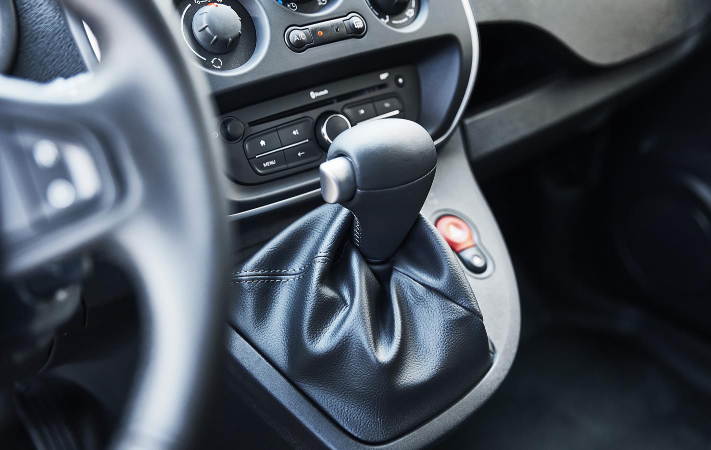 Renault Kangoo Z.E. - sterowanie multimediami