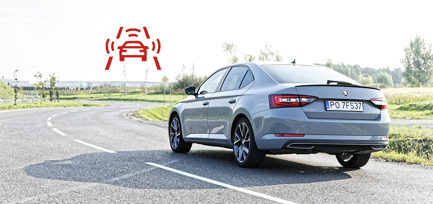 Skoda Superb z systemem Front Assist