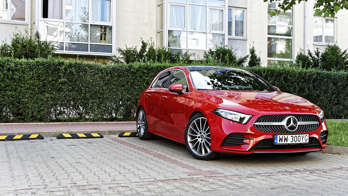 Mercedes-Benz Klasy A 200 z asystentem automatycznego parkowania