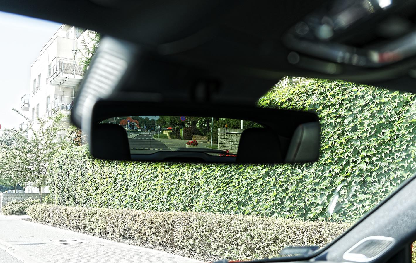 Mercedes-Benz Klasy A 200 - widok do tyłu z miejsca kierowcy