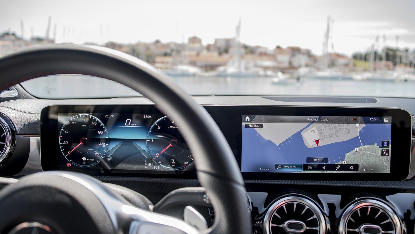 Mercedes-Benz Klasy A 200 - system nawigacji satelitarnej