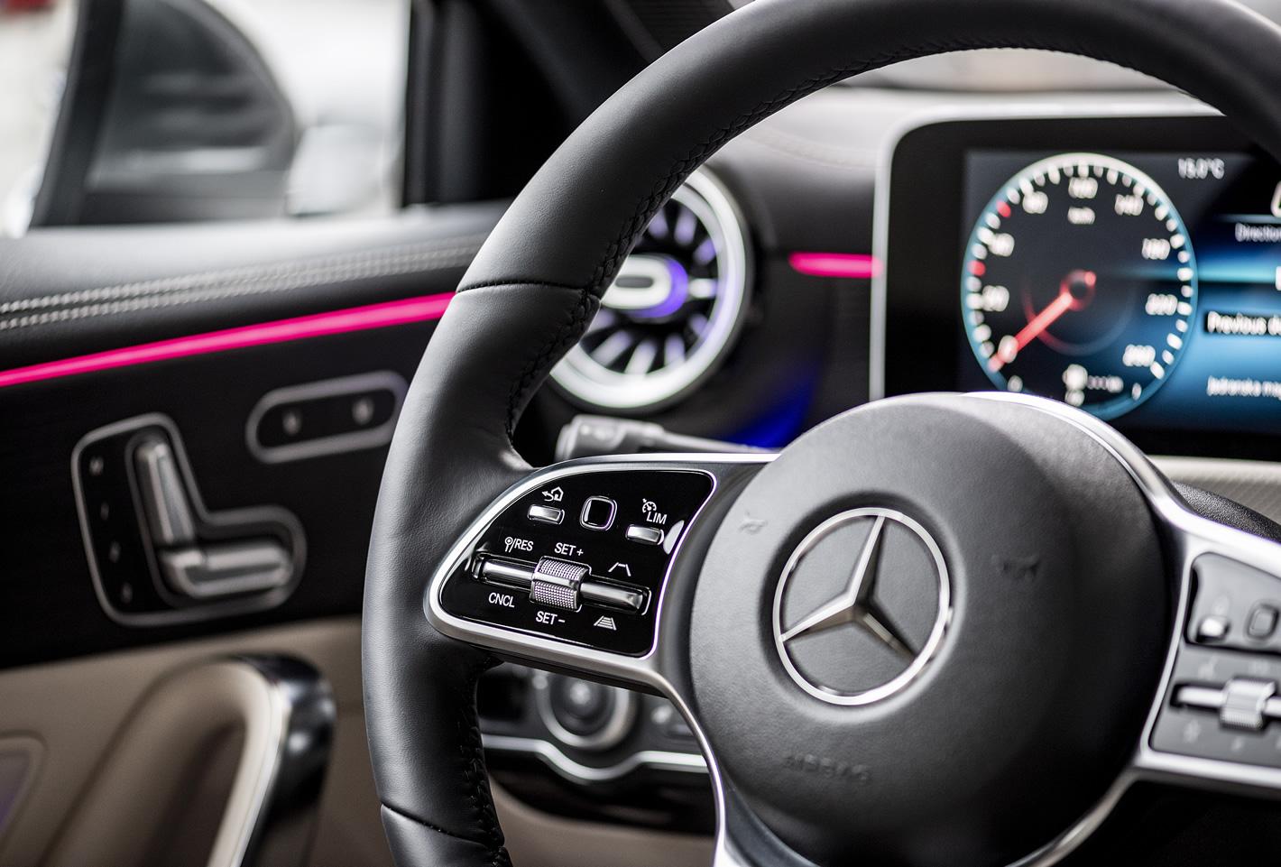 Mercedes-Benz Klasy A 200 - podświetlenie wnętrza