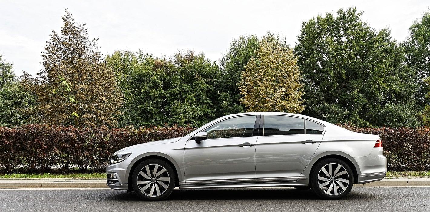 Volkswagen Passat 2.0 TDI z boku