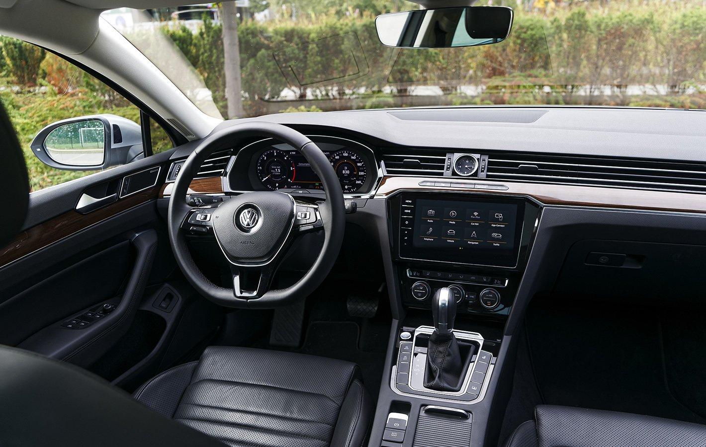 Volkswagen Passat 2.0 TDI - wnętrze