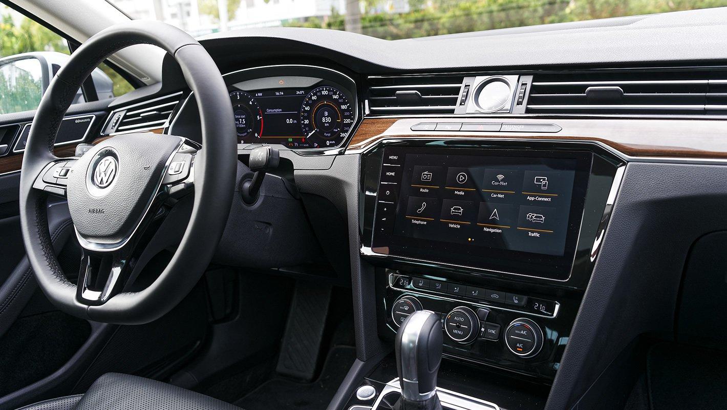 Volkswagen Passat 2.0 TDI - kokpit