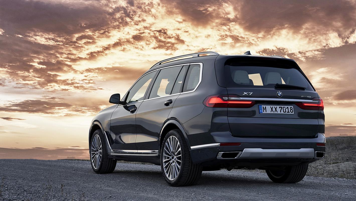 BMW X7 - z tyłu