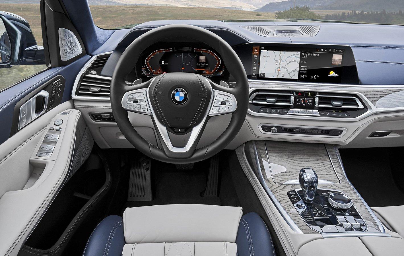BMW X7 - kokpit