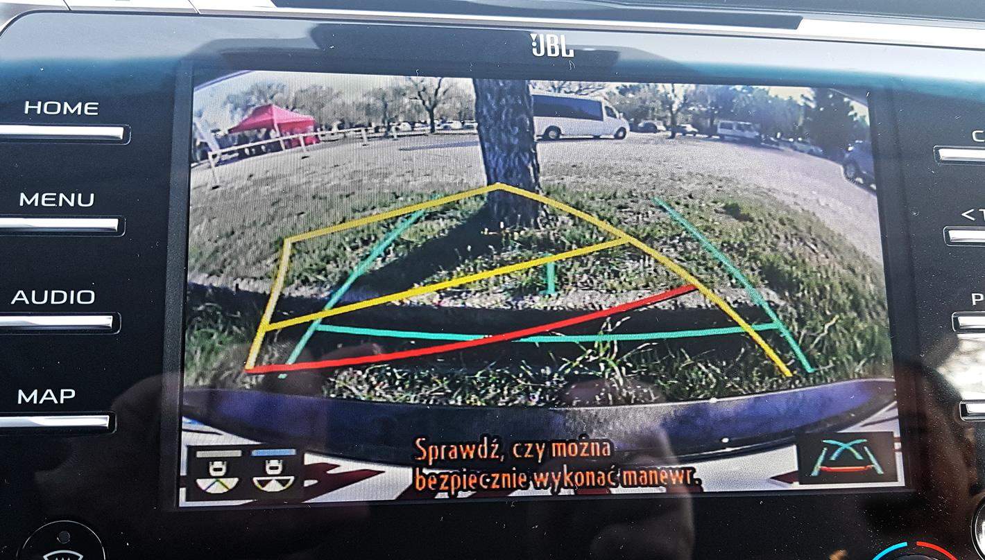 Toyota Camry Hybrid - kamera cofania